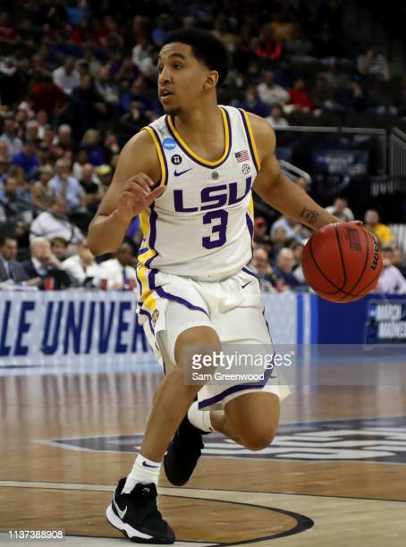during the first round of the 2019 NCAA Men's Basketball Tournament at VyStar Jacksonville Veterans Memorial Arena on March 21 2019 in Jacksonville...