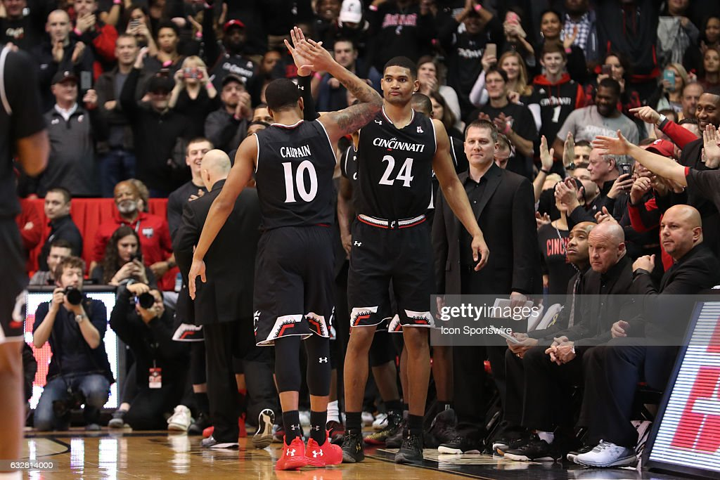 COLLEGE BASKETBALL: JAN 26 Xavier at Cincinnati : News Photo