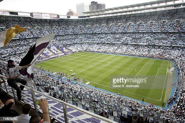 During the Liga match between Real Madrid and Sevilla at the Santiago Bernabeu stadium on May 6, 2007 in Madrid, Spain