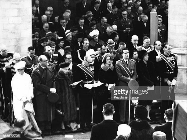 During the psalm at the Delft cathedral during Princess Wilhelmina's funeral Princess Armgard Prince Felix Hamburg Countess of Athlone King Olav of...