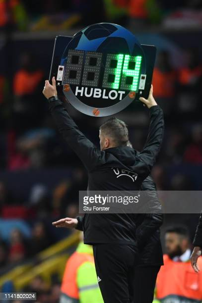 during the UEFA Champions League Quarter Final first leg match between Manchester United and FC Barcelona at Old Trafford on April 10 2019 in...