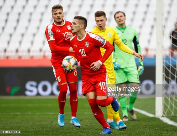 Dusan Tadic celebrates after scoring a goal during the UEFA Euro 2020 Qualifier between Serbia and Ukraine on November 17, 2019 in Belgrade, Serbia.