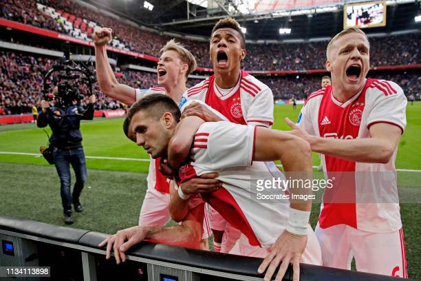 Dusan Tadic of Ajax celebrates 21 with Frenkie de Jong of Ajax David Neres of Ajax Hakim Ziyech of Ajax Donny van de Beek of Ajax during the Dutch...
