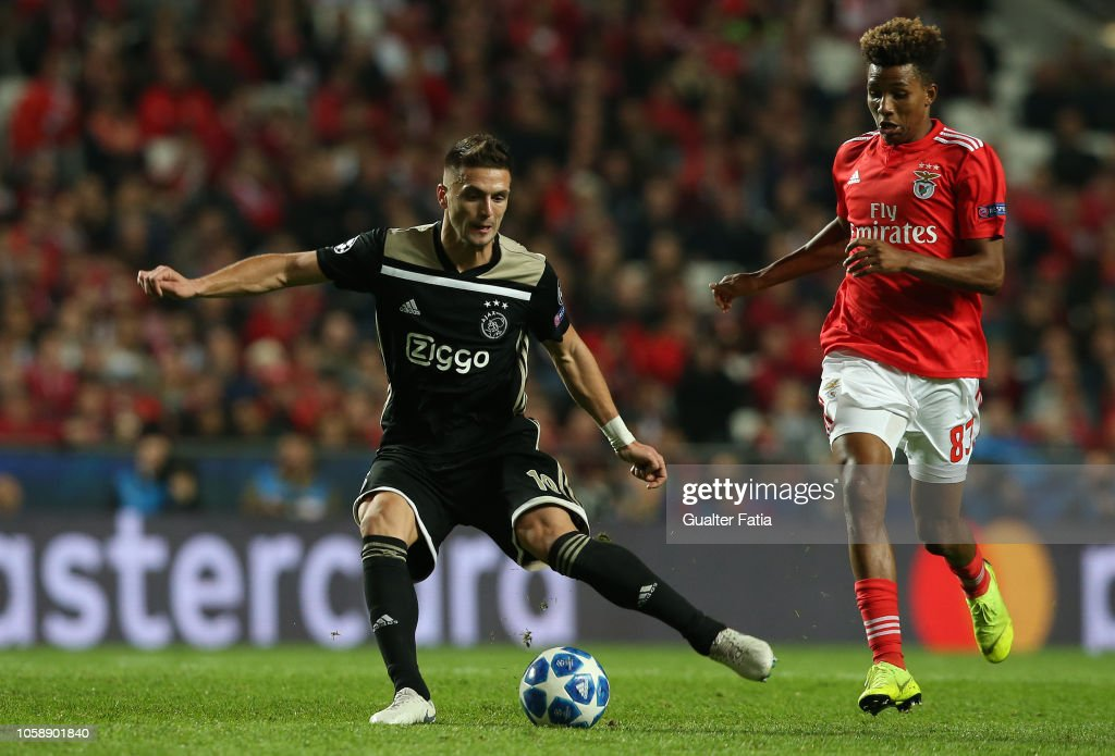 SL Benfica v Ajax - UEFA Champions League Group E : News Photo