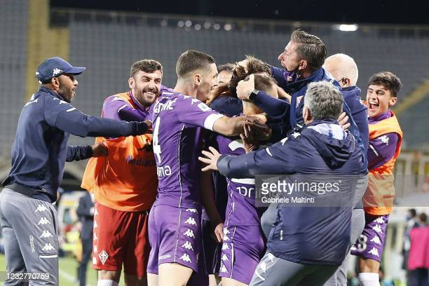 Dusan Vlahovic of ACF Fiorentina celebrates after scoring a goal during the Serie A match between ACF Fiorentina and SS Lazio at Stadio Artemio...
