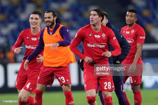 Dusan Vlahovic of ACF Fiorentina celebrates after scoring his goal 0-2 with his team mates during the Serie A match between SSC Napoli and ACF...
