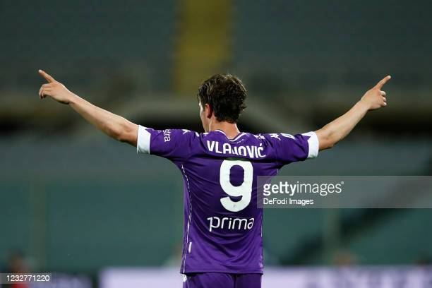Dusan Vlahovic of ACF Fiorentina celebrates after scoring his team's second goal during the Serie A match between ACF Fiorentina and SS Lazio at...