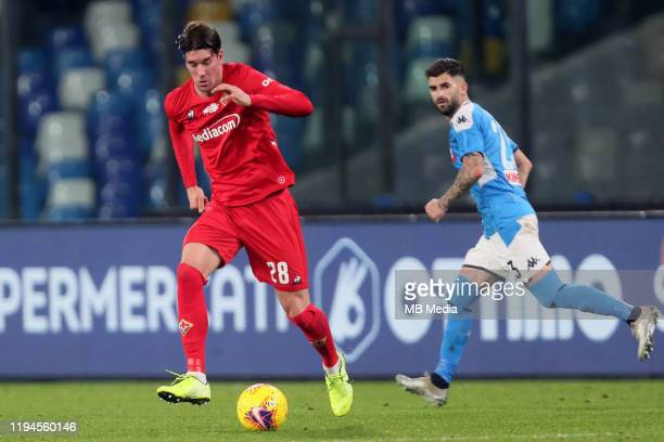 Dusan Vlahovic of ACF Fiorentina competes for the ball with Elseid Hysay of SSC Napoli ,during the Serie A match between SSC Napoli and ACF...