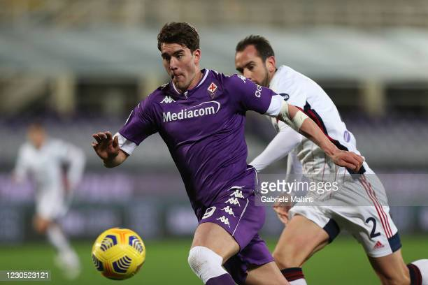 Dusan Vlahovic of ACF Fiorentina in action during the Serie A match between ACF Fiorentina and Cagliari Calcio at Stadio Artemio Franchi on January...