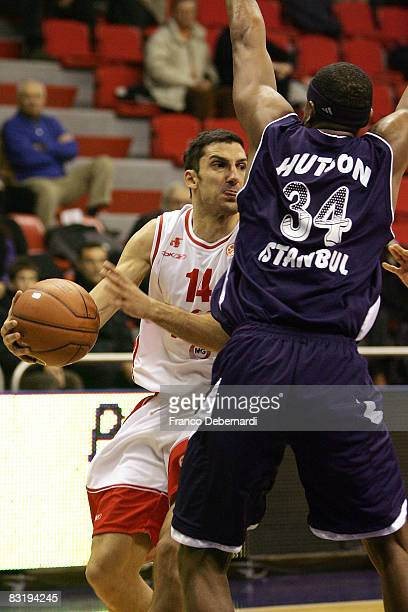 Dusan Vukcevic of Armani Jeans Milano and Andre Hutson of Efes Pilsen Istanbul in action during the Euroleague Basketball game 9 between Armani Jeans...