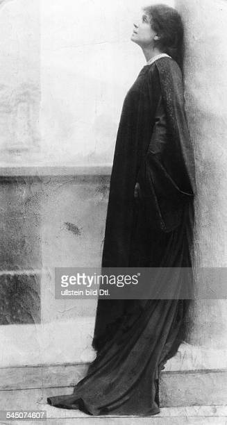 Duse Eleonora *03101858Schauspielerin I in Gabriele d' Annunzios Drama 'Citta Morta' undatiert