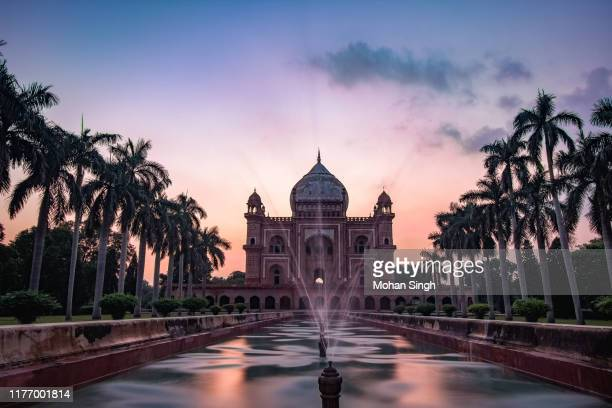 dusk at safdarjung's tomb, new delhi - new delhi stock pictures, royalty-free photos & images