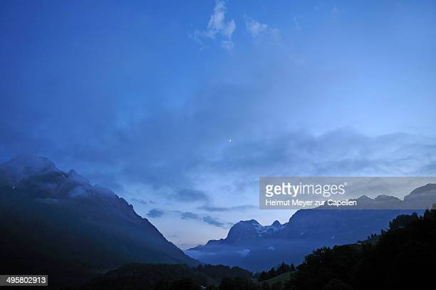 dusk in the berchtesgaden alps, ramsau bei berchtesgaden, berchtesgadener land district, upper bavaria, bavaria, germany - berchtesgaden alps stock photos and pictures