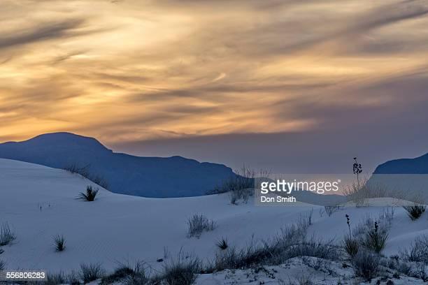 dusk light at white sands - don smith imagens e fotografias de stock