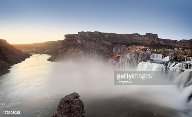 dusk panorama of shoshone falls, idaho - terryfic3d stockfoto's en -beelden