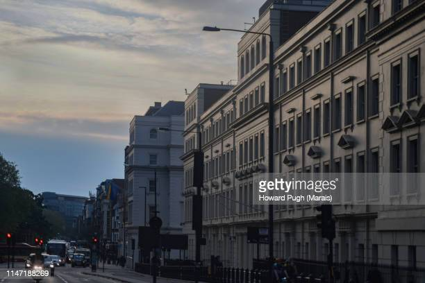 dusk parliament square - parliament square stock pictures, royalty-free photos & images
