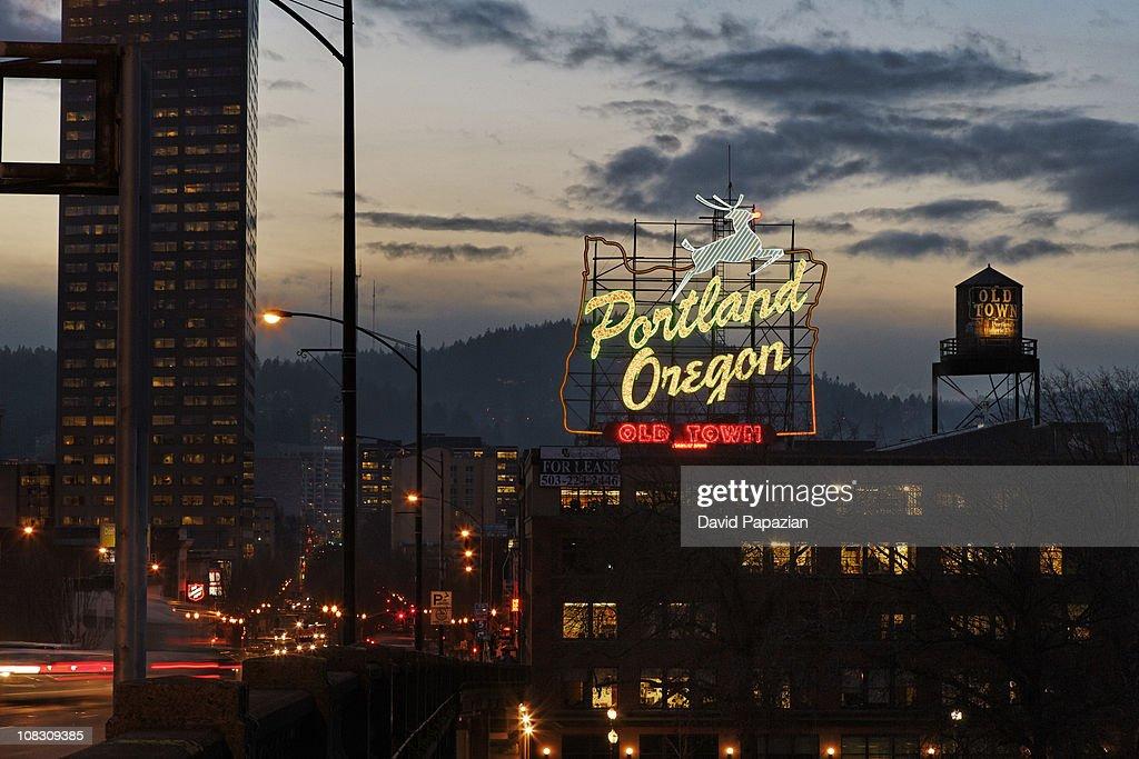 Dusk shot of Portland Oregon neon sign, city : Stock Photo