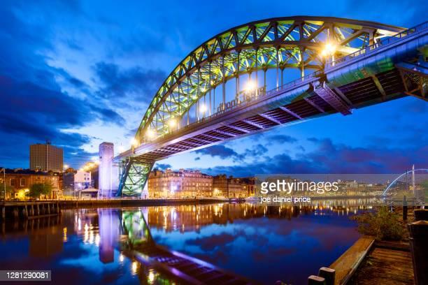dusk, tyne bridge, newcastle upon tyne, england - newcastle upon tyne stock pictures, royalty-free photos & images