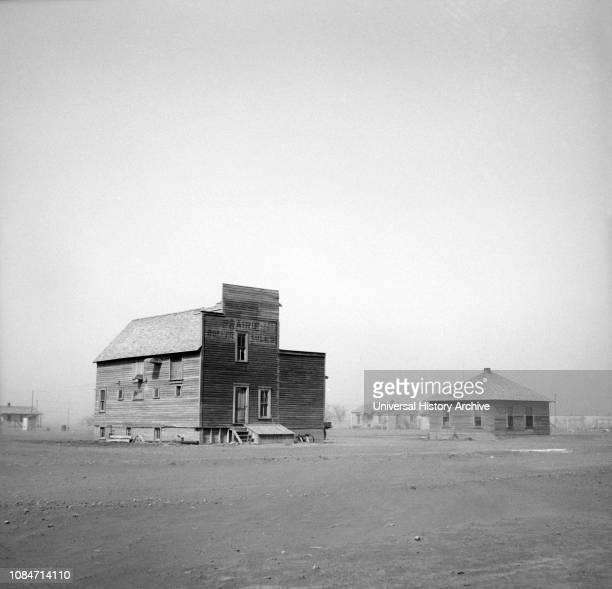 Dust Storm, Boise City, Oklahoma, USA, Arthur Rothstein, Farm Security Administration, April 1936.