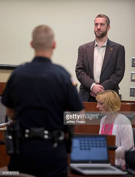 Dustin Diamond stands to testify as the arresting officer stands before the jury May 29 2015 in Port Washington Wisconsin Diamond best known for his...
