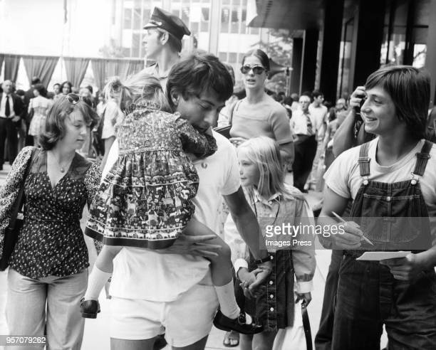 Dustin Hoffman and daughters attend a promotional event on Park Avenue for the RFK Pro-Celebrity Tennis Tournament circa 1974 in New York City.