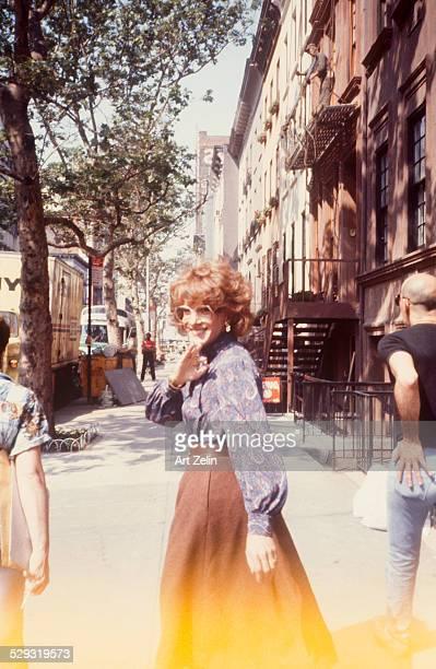 Dustin Hoffman as Tootsie on the street circa 1970 New York