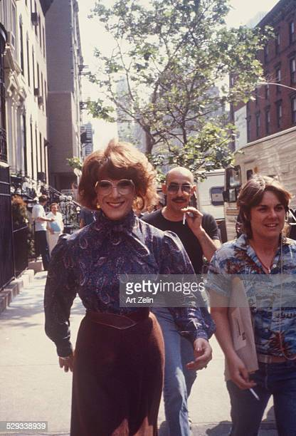 Dustin Hoffman as Tootsie walking on the street circa 1970 New York