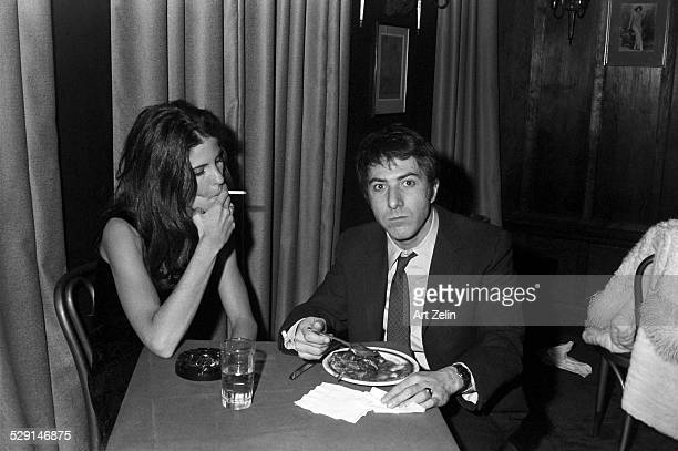Dustin Hoffman with his first wife Anne Byrne eating at a restaurant circa 1970 New York