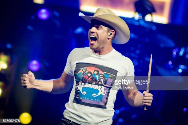 Dustin Lynch performs during the Dig Your Roots Tour at the Canadian Tire Centre on May 4 2017 in Ottawa Canada