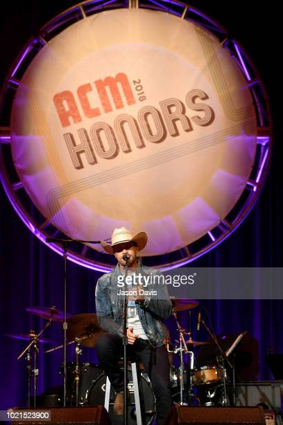 Dustin Lynch performs onstage during the 12th Annual ACM Honors at Ryman Auditorium on August 22 2018 in Nashville Tennessee