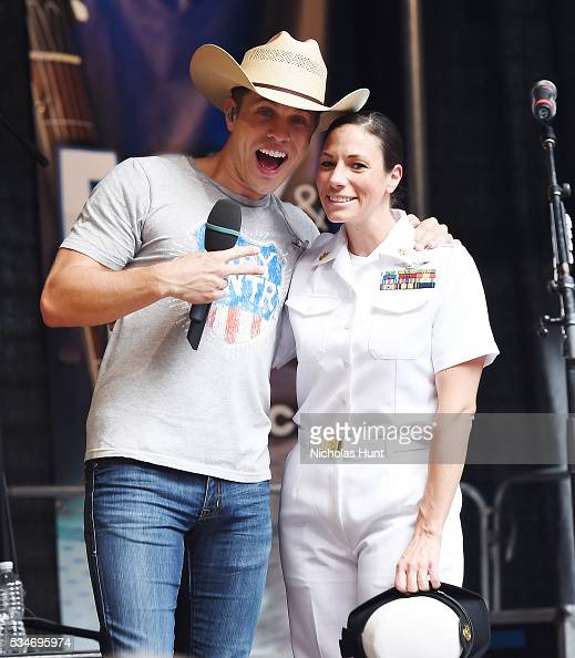 the best attitude 3508b 70eaf Dustin Lynch takes photo with Navy Captain during  FOX   Friends  All...  News Photo   Getty Images