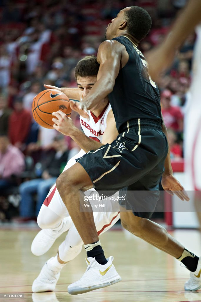 Vanderbilt v Arkansas : News Photo
