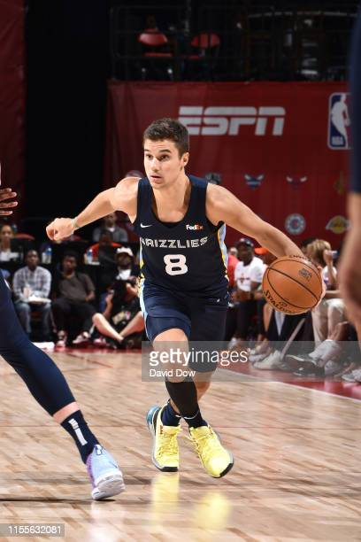 Dusty Hannahs of the Memphis Grizzlies handles the ball against the New Orleans Pelicans during the Semifinals of the Las Vegas Summer League on July...