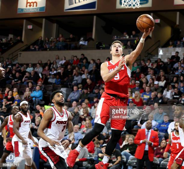 Dusty Hannahs of the Memphis Hustle drives to the basket against the Sioux Falls Skyforce during an NBA GLeague game on December 25 2017 at the...