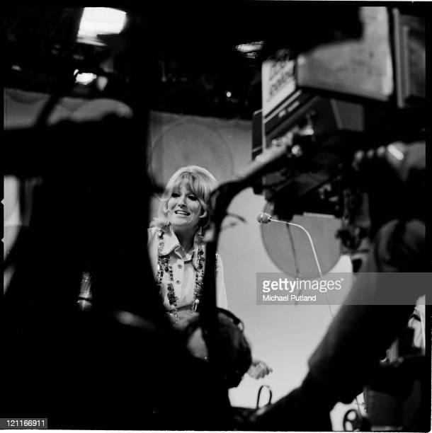 Dusty Springfield performing on Lulu's BBC TV show 'It's Lulu' London September 1970