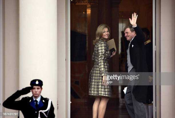 Dutch Crown prince Willem Alexander and Princess Maxima arrive at the palace Noordeinde in The Hague, 10 January 2006 for the traditional New Years...