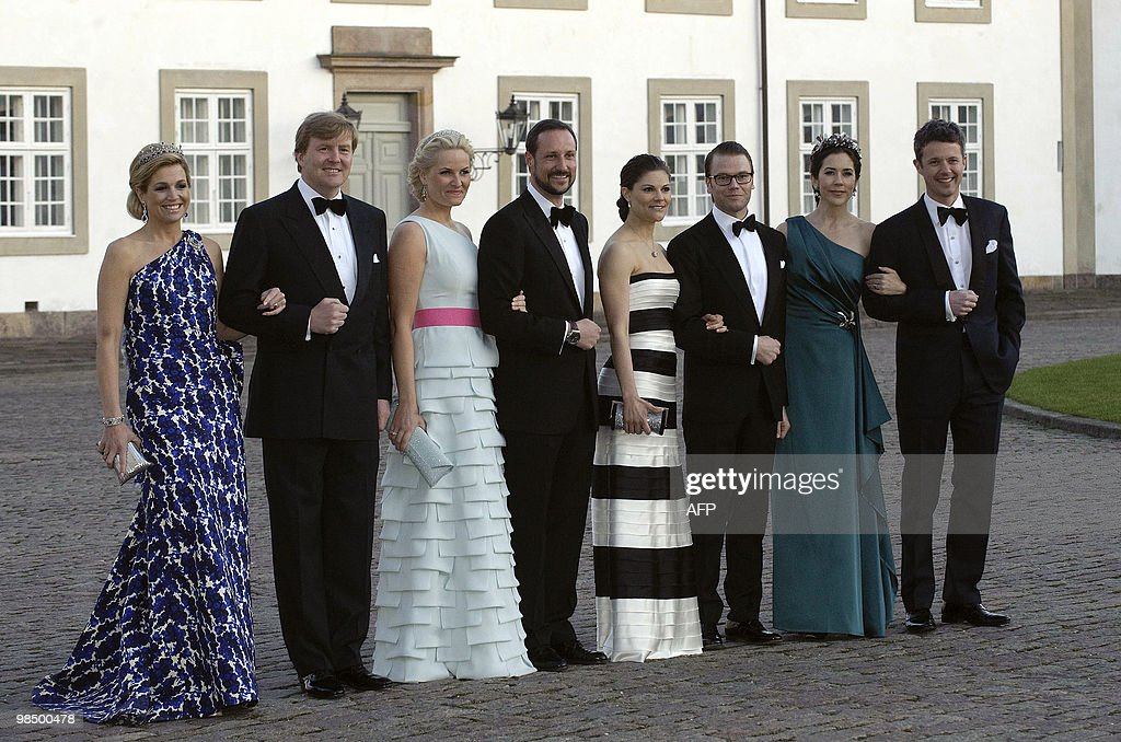 Dutch Crown Princess Maxima and Crown Prince Willem-Alexander, Norway's Crown Princess Mette-Marit and Crown Prince Haakon, Sweden's Crown Princess Victoria and Daniel Westling and Danish Crown Princess Mary and Crown Prince Frederik pose in front of the Fredensborg Palace on April 16, 2010 to celebrate the Danish Queen Margrethe's 70th birthday. AFP PHOTO/SCANPIX/Jens Norgaard Larsen