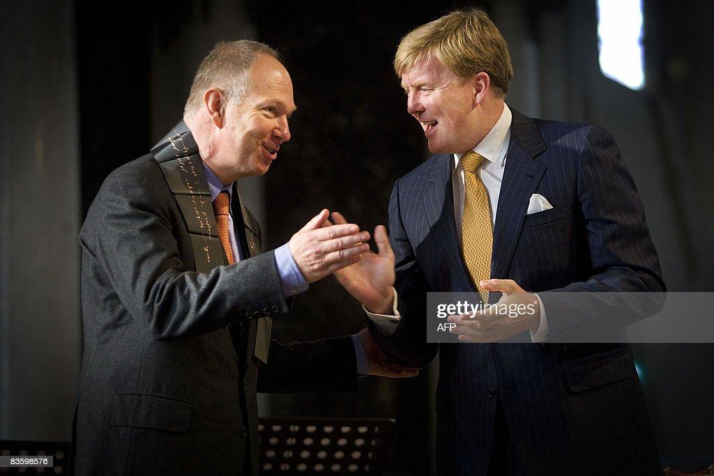 Dutch Crownprince Willem-Alexander (R) h : News Photo