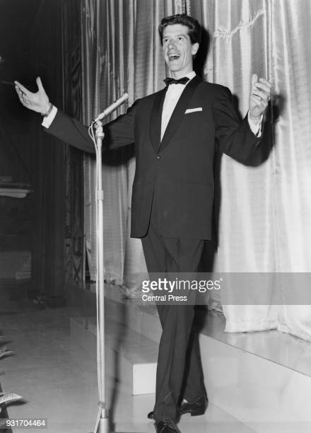 Dutch entertainer Rudi Carrell the Dutch contestant in the 1960 Eurovision Song Contest rehearses his song 'Wat een geluk' on the afternoon of the...