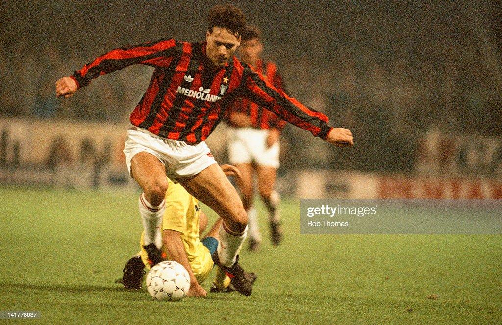 Milan V Bruges : News Photo