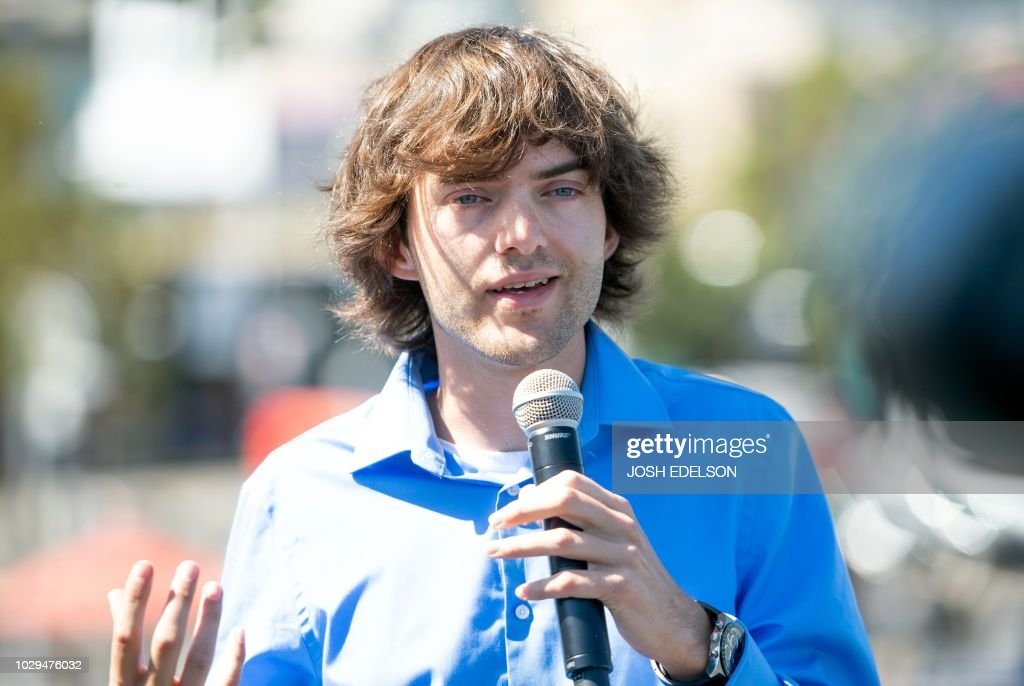 Dutch inventor and CEO of The Ocean Cleanup Boyan Slat speaks to members of the media before System 001 is towed out of the San Francisco Bay in San Francisco, California on September 08, 2018. - The prototype technology, developed by Boyan Slat, is about 2,000 feet of floating booms that will be towed out to the Great Pacific Garbage Patch, a floating mass of plastics and trash about the size of France, in hopes of helping remove the pollutants.