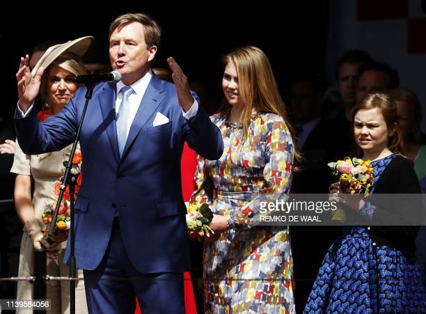 Dutch King WillemAlexander speaks as his daughters Princess Amalia and Princess Ariane and wife Queene Maxima listen on during the closing in...