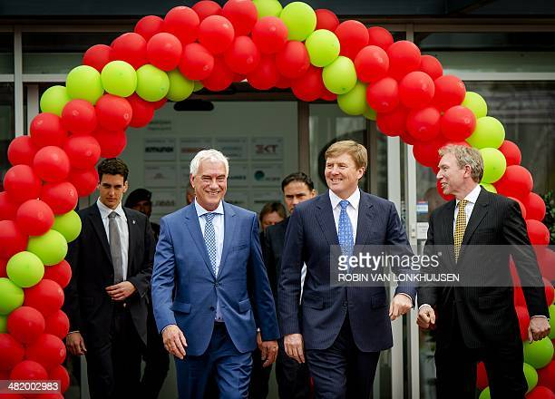 Dutch King WillemAlexander together with director BTCTwente Rob de Koning and rector magnificus of Twente University Victor van der Chijs attends the...