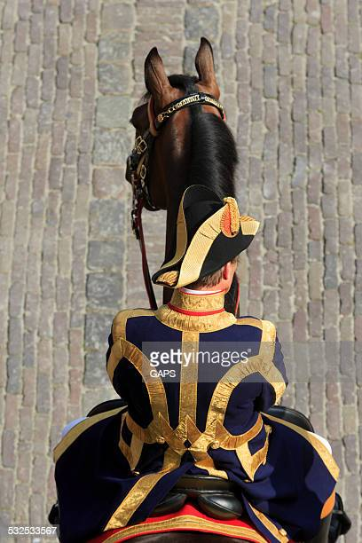 dutch lord chamberlain on binnenhof during prinsjesdag in the hague - prinsjesdag stock photos and pictures