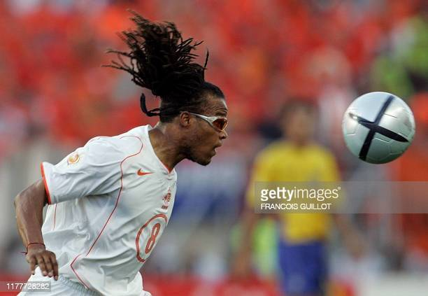 Dutch midfielder Edgar Davids eyes the ball for a control, 26 June 2004 at the Algarve stadium in Faro, during the Euro 2004 quarter final match...