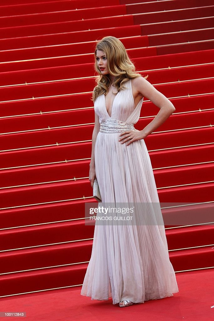 Dutch model Doutzen Kroes arrive for the screening of 'Des Hommes et des Dieux' (Of God and Men) presented in competition at the 63rd Cannes Film Festival on May 18, 2010 in Cannes.