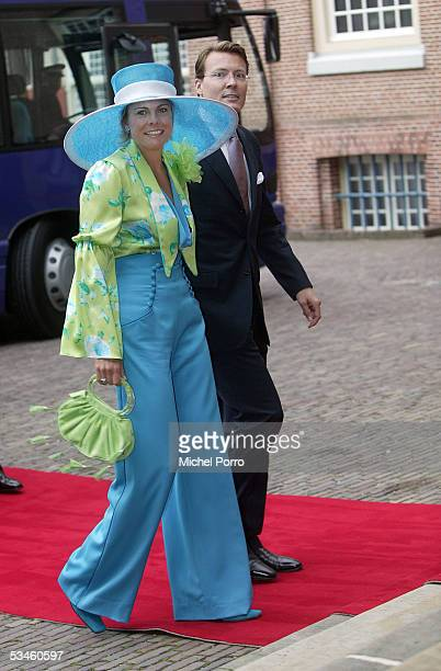 Dutch Prince Constantijn and Princess Laurentien arrive for the civil wedding ceremony at The Loo Palace on August 25 2005 in Apeldoorn The...