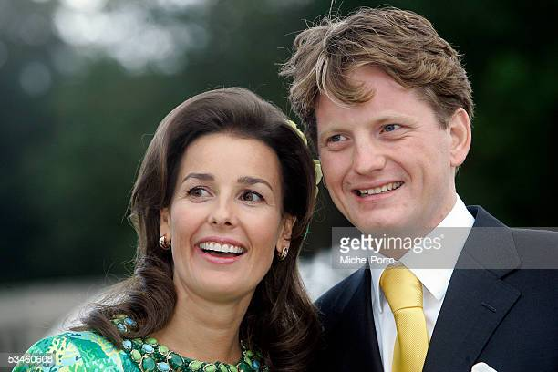 Dutch Prince Pieter Christiaan and Anita van Eijk pose after the civil wedding ceremony at The Loo Palace on August 25 2005 in Apeldoorn The...