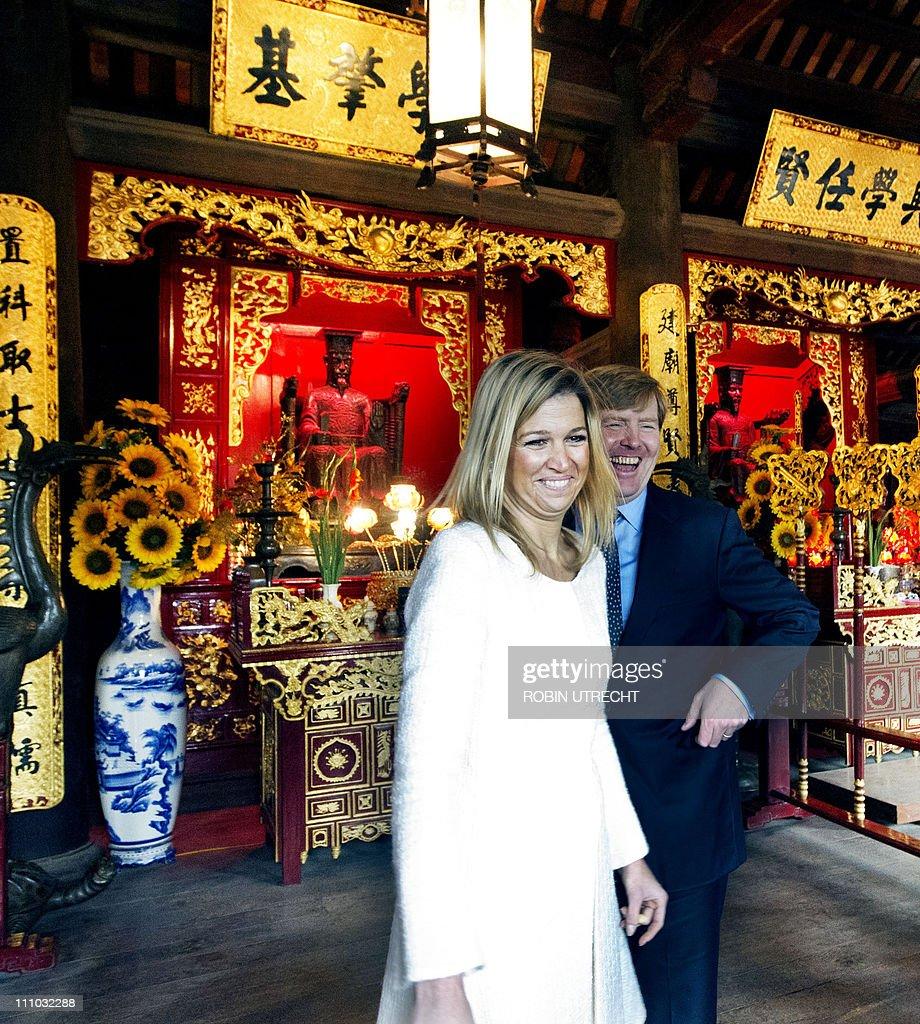 Dutch Prince Willem Alexander (R) and Pr : News Photo