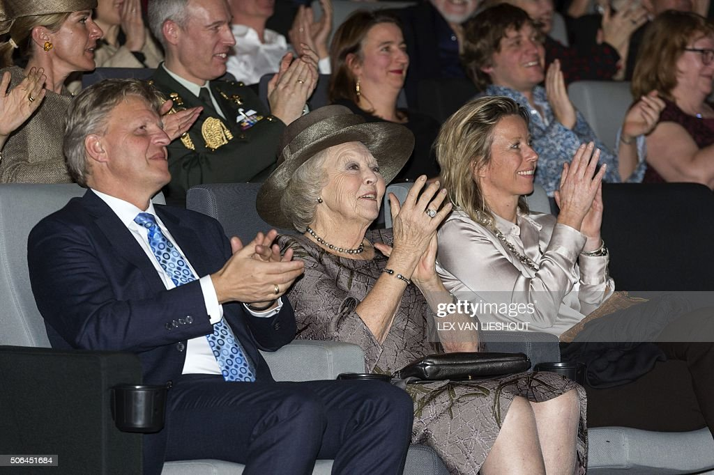 Dutch Princess Beatrix (C) attends the premiere of the fifth season of the serie Hollandse Meesters (Dutch Masters) at the film museum EYE in Amsterdam on January 23, 2016. / AFP / ANP / Lex van Lieshout / Netherlands OUT